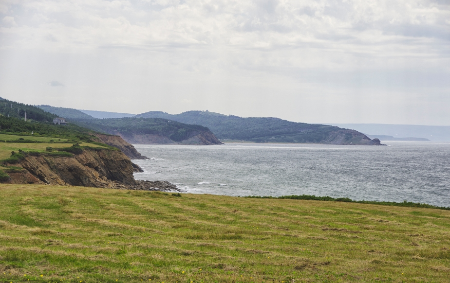 CapeBretonRuggedCliffsBegin